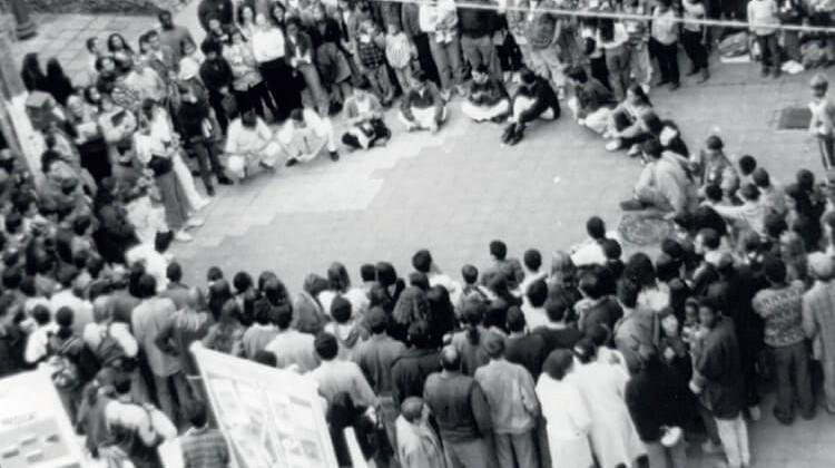 """Atividade de greve """"Universidade na rua"""" em 1995."""