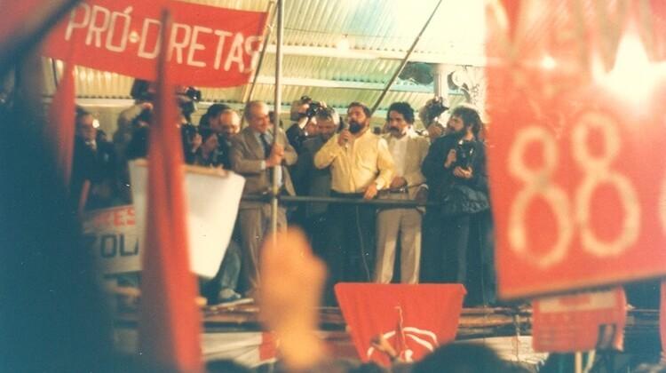 Campanha Pró-diretas em 1998.