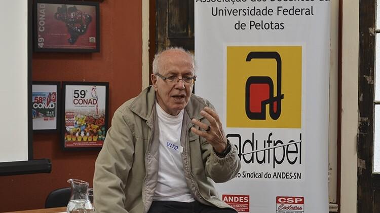 Curso de comunicação do Núcleo Piratininga em 2014.